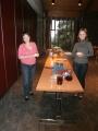 Pēc dievkalpojuma draudze tiekas uz kafiju un kūkām par ko pēc dežūrgrafika rūpējas draudzes māsas