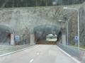 Tuneļi caur klintīm...mums ļoti patika