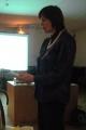 Gaida dzied dziesmu ar mācītāja Arņa vārdiem, kuras melodiju sacerējusi pati